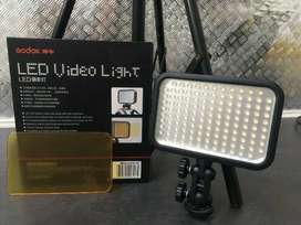 Godox LED126 Video Light and Stand