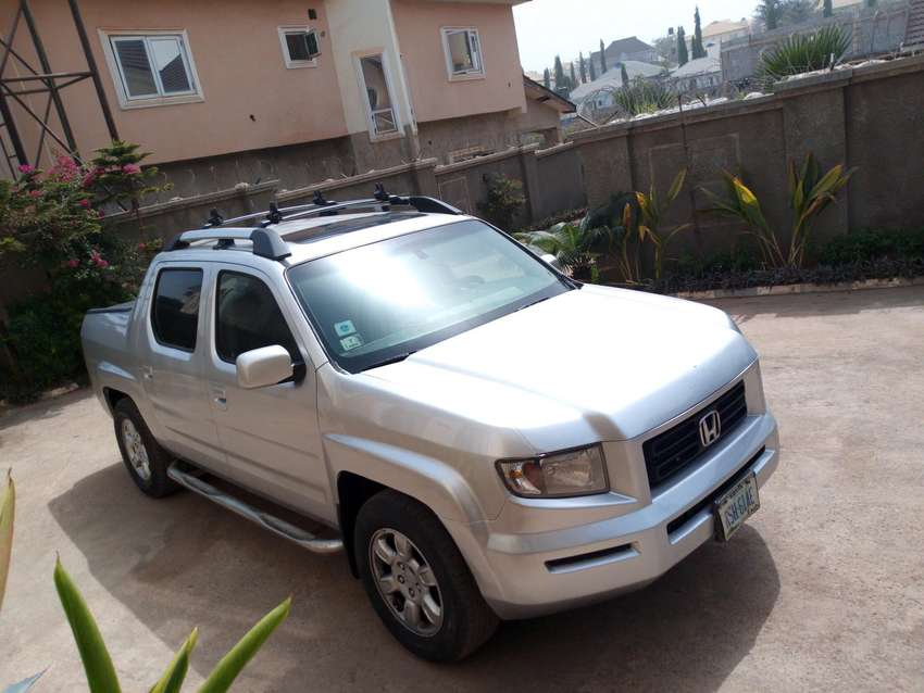 VERY WELL MAINTAINED HONDA RIDGELINE 2006 FOR SALE 0