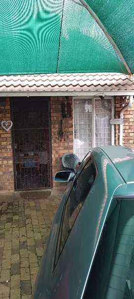 Lovely secure cottage Edenvale,near Greenstone mall