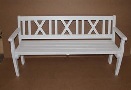 Скамейка деревянная белая