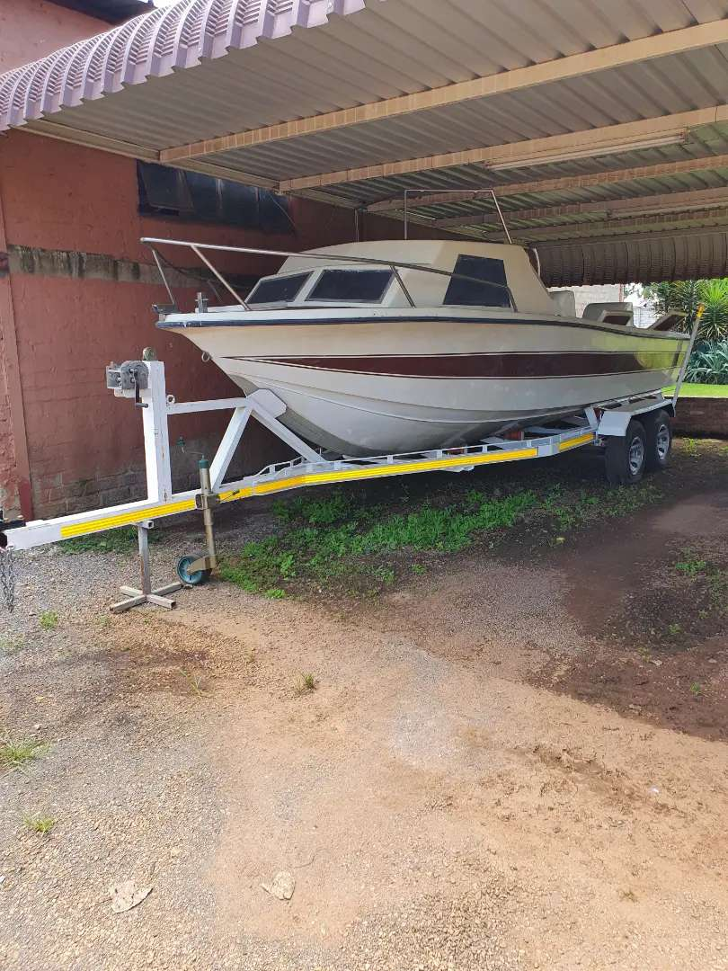 Cabin boat for sale 0