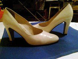 Фирменные туфли женские, бело - бежевые, 36 размер