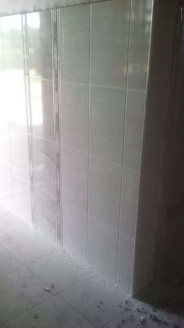 Kitchen wall tile fixing 0