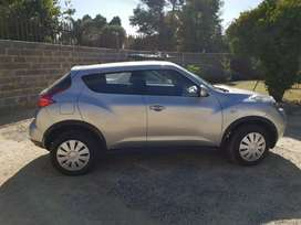 2013 Nissan Juke very clean both inside and out
