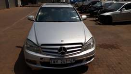 W204 C200K Preface Mercedes Stripping For Spares