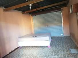 Big room with a double bed for rental in Seshego