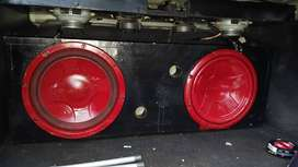 2 Pioneer 1000watts Subwoofers 12'inches