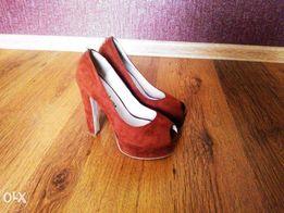 Шикарні туфлі