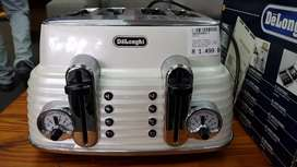 DeLonghi Bread Toaster