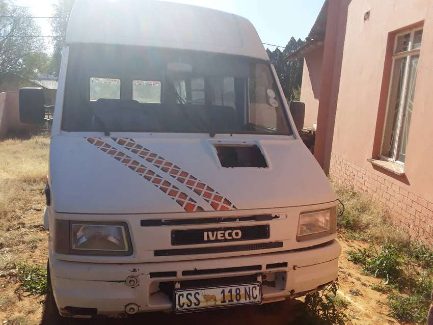 23 SEATER IVECO 0