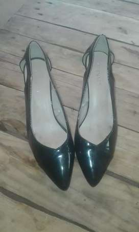 2 evening dresses & pair of shoes