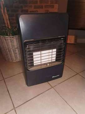 3 Panel Gas Heater with 9kg Gas Bottle