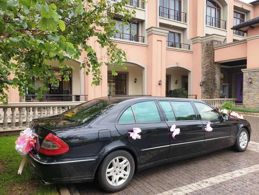 Mercedes benz limousine cars for hire 0