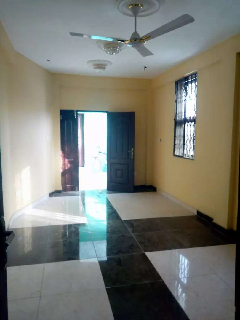 2 bedrooms apartment for at bushroad 0