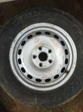 Vw caddy #6 rim and tyre