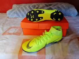 Soccer boots for R700