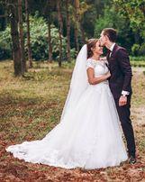 Шикарна весільна сукня!