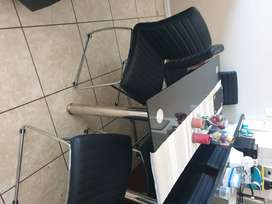 Like New - Glass Dining Table and 6 chairs - R4800 NEG