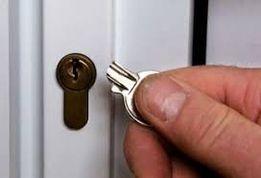 Служба вскрытия замков в Черновцах.открыть дверь,открыть дверь, сейф.