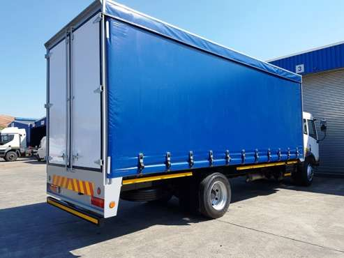 8 TON CURTAIN SIDE TRUCKS FOR HIRE