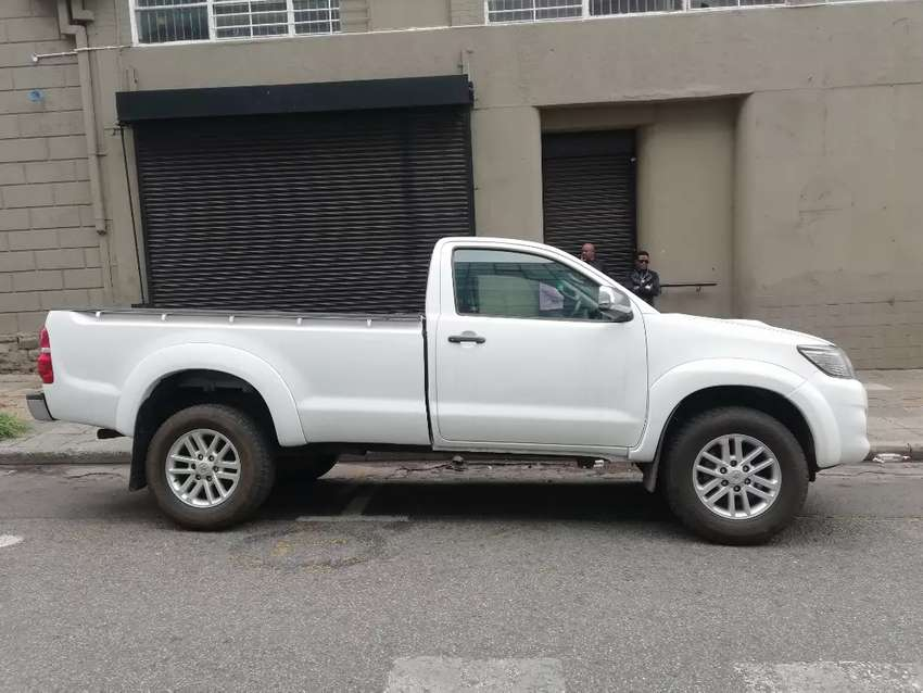 Toyota hilux 3.0 D4D diesel for sell 0