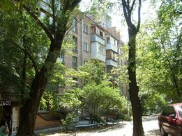Трехкомнатная Ивана Кудри срочно продам квартиру в отличном районе