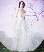 Продам свадебное платье в идеальном состоянии + подьюбник в подарок