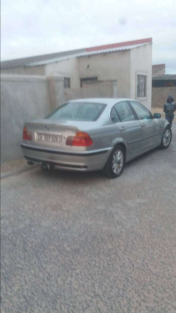 Im selling my BMW 330i Full house, start and go 0
