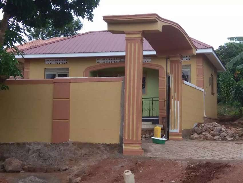 House for sale in sseguku katale 0