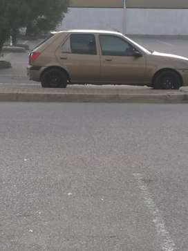 I'm selling my car ford fiesta everything is perfect 1 start and go