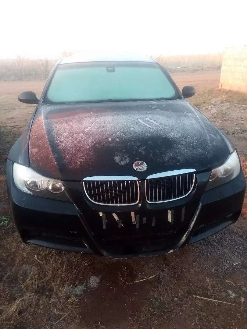 BMW e90 stripping 325i 0