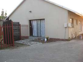 Two lovely bedroom unit to rent in Secunda.