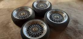 """I'm selling my bbs mag wheels with 2 new tyres 17"""""""
