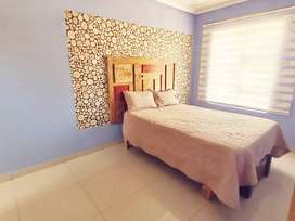 1 bedroom with shower and kitchen