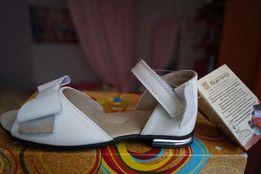 Туфли кожаные для девочки, новые, белые ТМ Берегиня 26,27,28,29