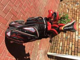Golf clubs with bag and golf balls