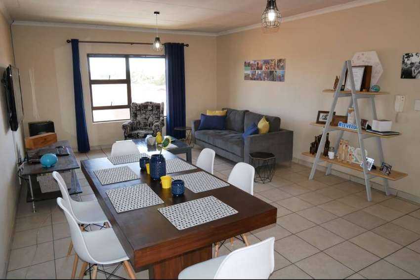 Townhouse for sale in New Redruth, Alberton 0