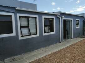 Flat Available for Rental in Strand R5000 per month