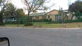 Beautiful 3 Bedroom House to rent, near schools, shopping centre & cbd