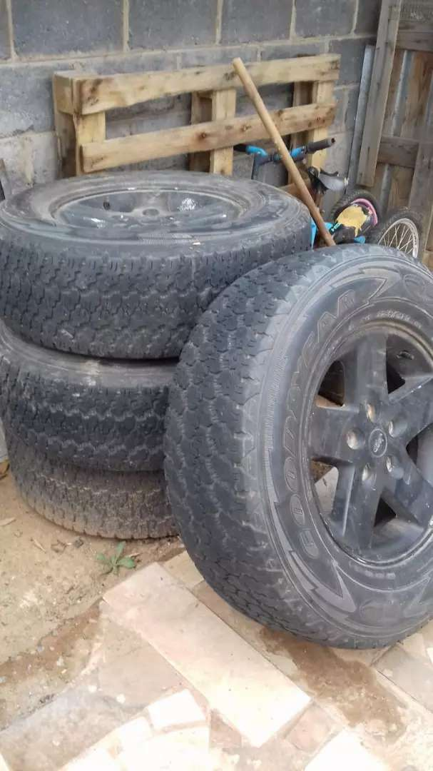 Derbyshire Jeep Rims and Tyres for sale R7500