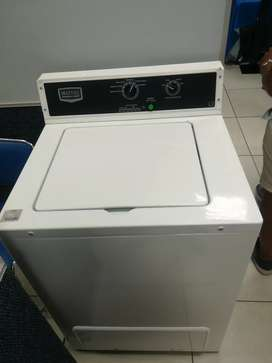 Maytag commercial laundry machine