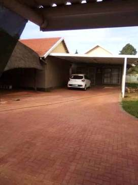 1 bedroom flat available for rent