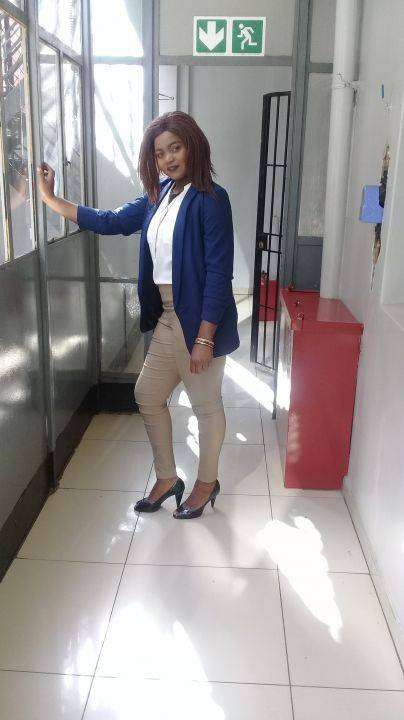 I am a lady 31 with a BSc Degree in Marketing looking for a job.