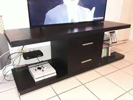 2 Drawer TV stand with glass in the center