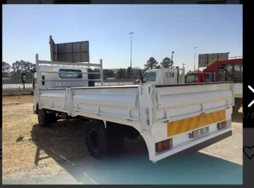 Moving trucks and bakkie hire