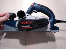BOSCH PROFESSIONAL GHO 40-82 C PLANER
