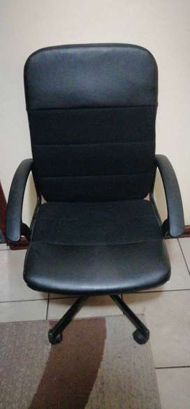 Neat Office Chair For sale