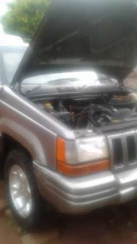 Hi I'm selling jeep cherokee gearbox problem.