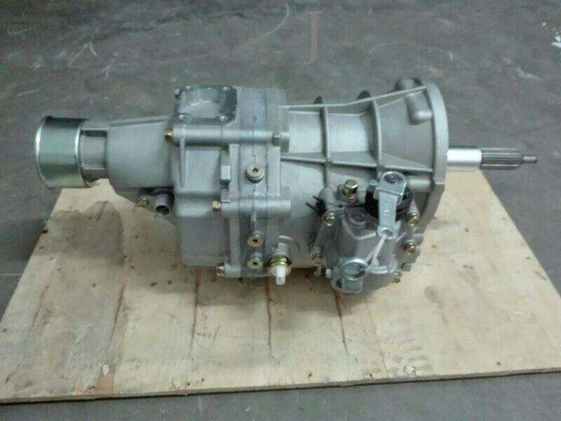 TOYOTA HILUX/ TAXES 2.2[4Y] GEARBOX AVAILABLE IN STOCK CONTACT ME.