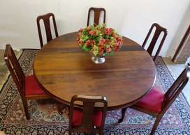 Looking To Purchase Antique Wooden Furniture